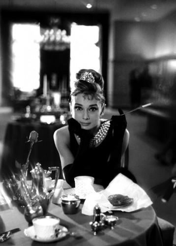 Audrey Hepburn Diamants sur canapé